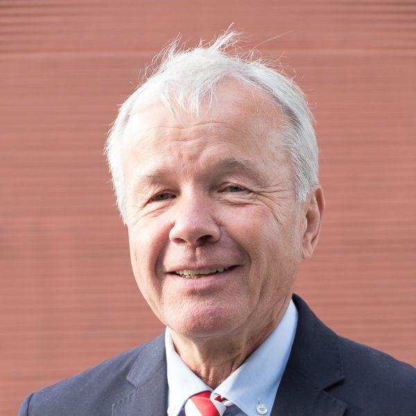 Klaus Rohmer : Vorsitz/Vorstand Verwaltung